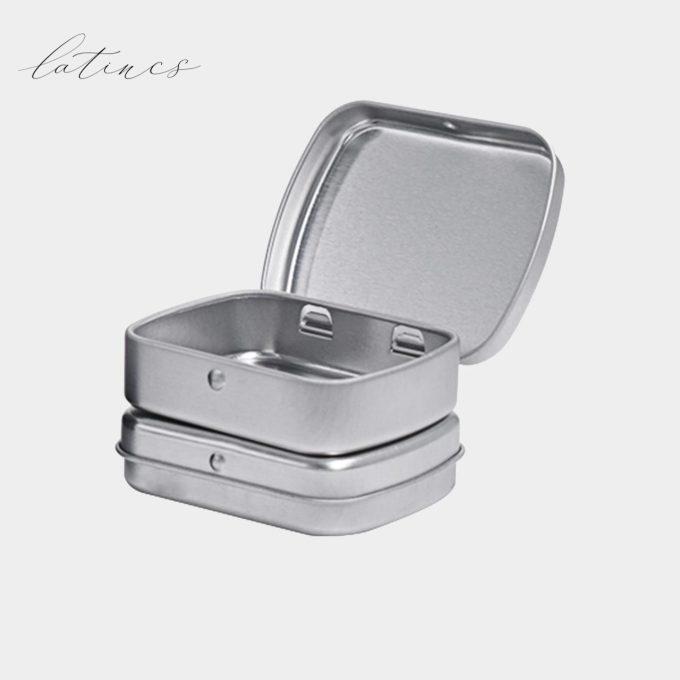 جعبه فلزی نقرهای